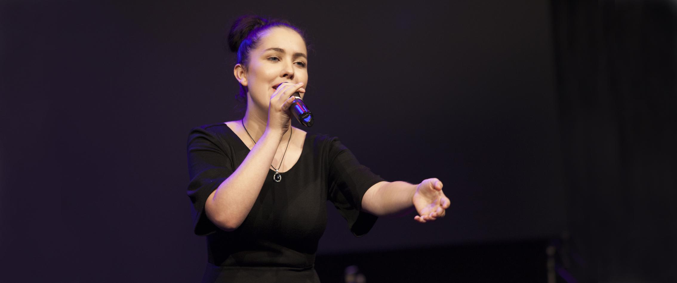 12-Singer