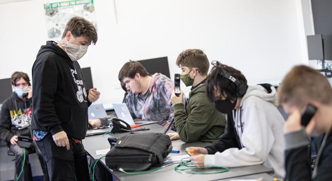VET STUDENTS EMBRACE COMMUNICATION CHALLENGE